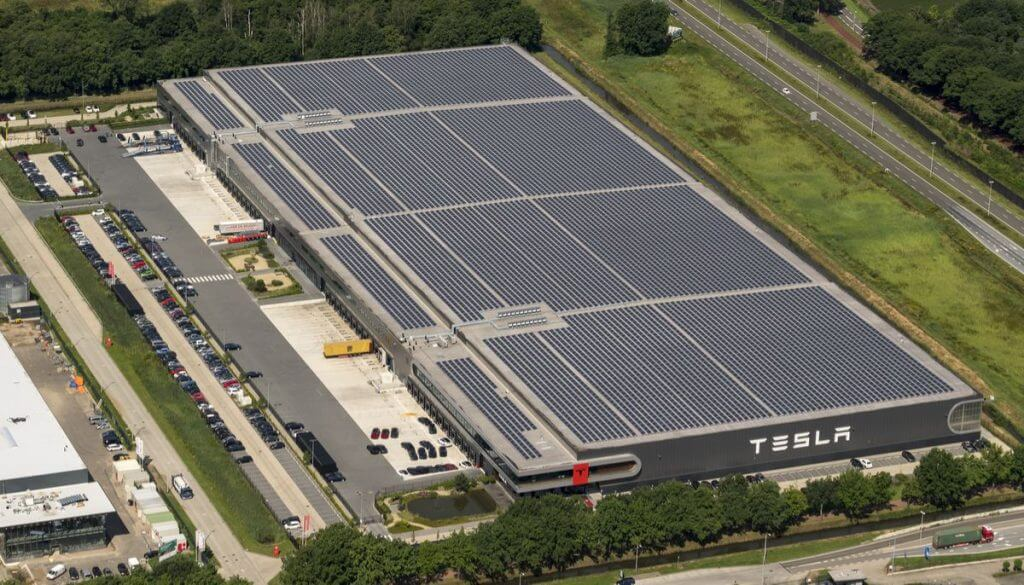 Tesla Solar Panel Roof >> Tesla S Solar Roof Is Incredible Solar 360